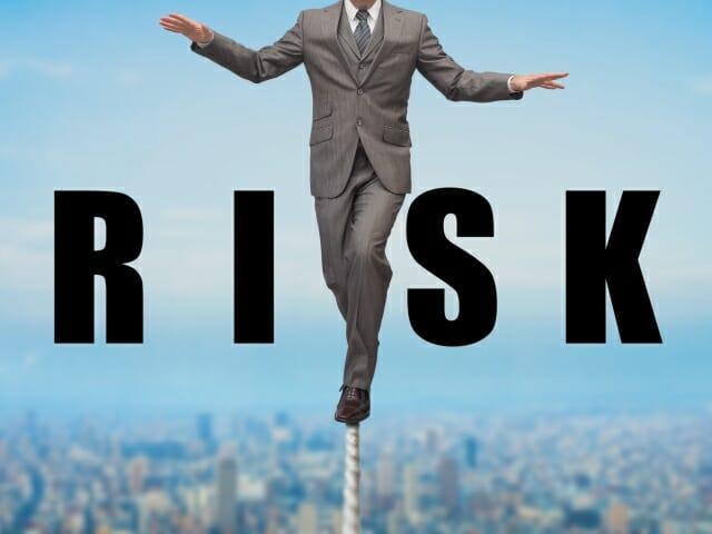 フラッシュクラッシュの悪夢を回避!年末年始に気をつけたいリスクとは?